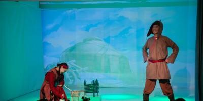 """""""Бумбардай"""" үзэгч хүүхдүүдийн оролцоот хүүхдийн драмын жүжиг нээлтээ хийлээ."""